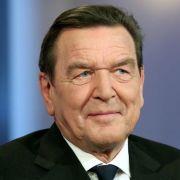 Hat die Flüchtlingspolitik der Bundeskanzlerin scharf kritisiert: Altkanzler Gerhard Schröder.