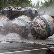 Flüssiges Aluminium setzt Autobahn A1 in Brand (Foto)