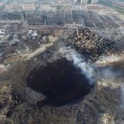 Riesiger Krater! 112 Tote nach erneuter Explosion in Tianjin (Foto)