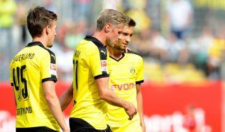 Dortmunds Oliver Kirch (M) jubelt mit David Sauerland (l) und Moritz Leitner (r). (Foto)