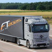 Genehmigung für erste Straßen-Testfahrten von Autopilot-Lastwagen (Foto)