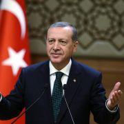 Erdogan kündigtNeuwahl in der Türkei für 1. November an (Foto)