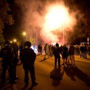 Nazi-Blockade vor Flüchtlingsheim - 31 Polizisten verletzt (Foto)