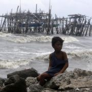 Mindestens zehn Tote durch Taifun «Goni» auf den Philippinen (Foto)
