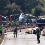 Kampfjet stürzt bei Flugschau ab:sieben Tote (Foto)