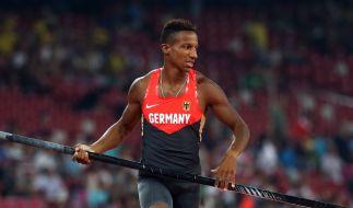 Raphael Holzdeppe ging im Stabhochsprung bei der Leichtathletik-WM als einer der Favoriten ins Rennen. Er holte schließlich Silber. (Foto)