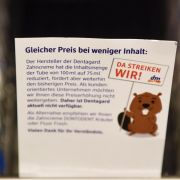 Drogeriemarktkette stellt Zahncremehersteller an den Pranger (Foto)