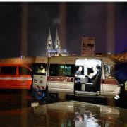 10-Zentner-Bombe am Kölner Rheinufer entschärft (Foto)
