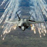 USA schicken F-22-Kampfflugzeuge nach Europa (Foto)