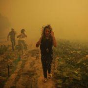 Siedlungen in Gefahr: Waldbrand im Nordwesten Spaniens (Foto)