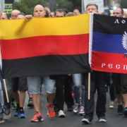 Nazi-Anführer kommen aus dem Westen (Foto)