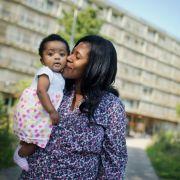 Unser 4-Punkte-Programm für Flüchtlingshelfer (Foto)