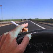 Drogenbeauftragte für Rauchverbot in Autos mit Minderjährigen (Foto)