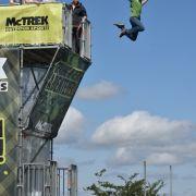 Sturz aus neun Metern! Mädchen (12) verunglückt an Sprungturm (Foto)