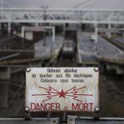 Menschen behindern Zugverkehr im Ärmelkanaltunnel (Foto)