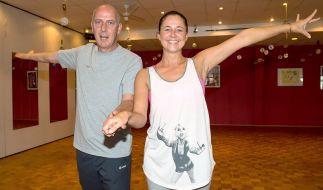 Ex-Nationalspieler Mario Basler und seine Freundin Doris Büld trainieren in einer Tanzschule in Osnabrück. (Foto)