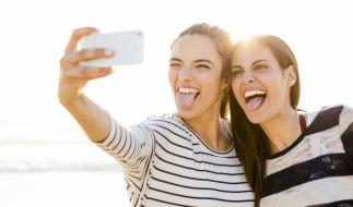 Selfies wie dieses sorgen nach Aussage eines amerikanischen Experten für eine schnellere Verbreitung von Läusen. (Foto)
