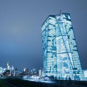 EZB lässt Zinsen auf Rekordtief (Foto)