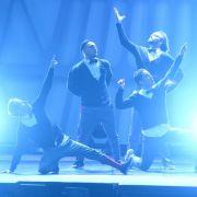 Girlband vs. Boyband: Wer scheitert am Tanztraining? (Foto)