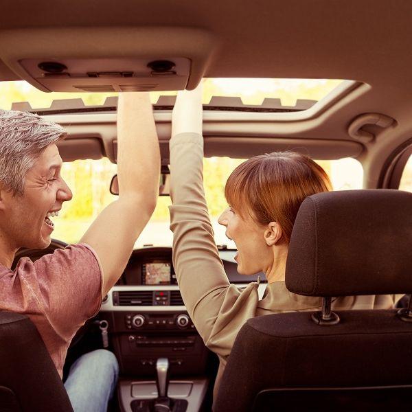 Wer im Auto laut mitsingt, lebt länger (Foto)