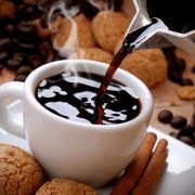 Kaffee am Morgen vertreibt Kummer und Sorgen.