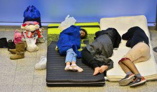 Tausende Menschen sind auf der Flucht. Die Asylheime Deutschlands sind zum Bersten gefüllt. (Foto)