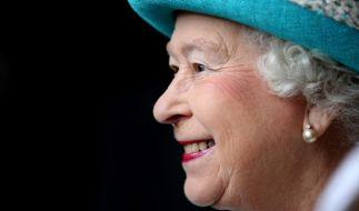 Ab 9. September 2015 ist Queen Elizabeth II. die am längsten regierende Monarchin in der Geschichte Großbritanniens und stellt damit den Rekord ihrer Ur-ur-Großmutter Queen Victoria ein, die 63 Jahre und sieben Monate regierte. (Foto)