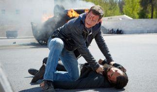 Um Alex das Leben zu retten, tötet Semir den Sohn eines Mafia-Paten. Doch der sinnt auf Blutrache ... (Foto)