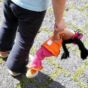Jugendamt holt 22 Kinder aus Horror-Heim (Foto)