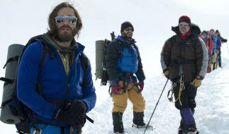 Die Gipfelstürmer ahnen noch nicht, in welche Gefahr sie sich bei ihrer Expedition zum höchsten Gipfel der Welt begeben. (Foto)