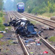 Zug prallt auf Auto - 5 Tote (Foto)