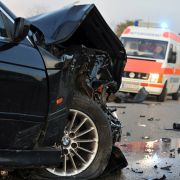 Horror-Crash - 3 Teenager im Krankenhaus (Foto)