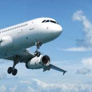 27-jähriger Passagier uriniert auf Fluggäste und Gepäck (Foto)