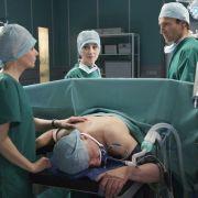 700. Folge der ARD-Serie: Dr. Heilmann bricht zusammen (Foto)