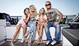 Die Geissens mit ihren Töchtern Davina Shakira (links) und Shania Tyra (rechts). (Foto)