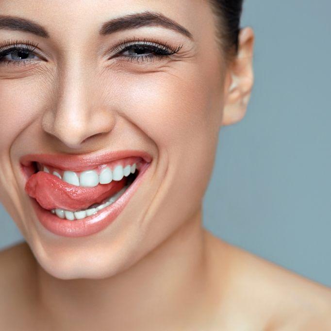 Ganz ohne Bleaching! So ESSEN Sie sich ihre Zähne weiß (Foto)
