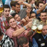 Möchte ein Moslem das Münchner Oktoberfest verbieten lassen? (Foto)