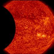 NASA-Satellit fotografiert erstmals doppelte Sonnenfinsternis (Foto)