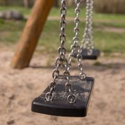 Schaukel erschlägt Fünfjährigen auf Spielplatz (Foto)