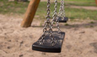 Eine marode Schaukel wurde einem Fünfjährigen offenbar zum Verhängnis. (Foto)
