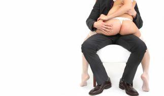 Eine neue Studie zeigt, dass auch Menschen, die einen Herzinfarkt hatten, gefahrlos Sex genießen können. Allerdings gilt das nicht für Seitensprünge mit Geliebten oder Prostituierten. (Foto)