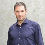Dieter Bach in der Rolle als Dr. Frederic Riefflin (Foto)