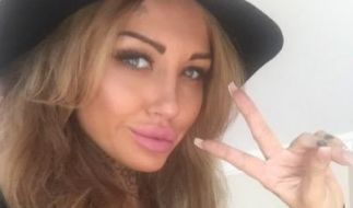 Tattoo-Model Sallie Axl (28). (Foto)