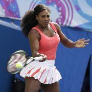 Tennis-Göttin Serena Williams im neuen Pirelli (Foto)