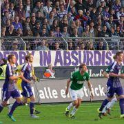 Späte Rache! Amok-Zuschauer schlägt Fußballer nieder (Foto)