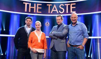 """""""The Taste"""": Frank Rosin (r.), Alexander Herrmann (2.v.r.), Cornelia Poletto (2.v.l.) und Tim Mälzer (l.) suchen gemeinsam Deutschlands besten Koch. (Foto)"""