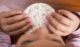 Reiswaffeln gelten als gesunder Snack. Doch angesichts dieser Ergebnisse sollten Sie Babys und Kleinkinder nur ab und zu daran knabbern zu lassen. (Foto)