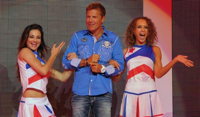 Als prominenter Vertreter der Marke Camp David muss unser Poptitan natürlich auch mal für Werbezwecke herhalten. Fraglich jedoch sind die beiden Cheerleader-Girls an seiner Seite. Sieht doch schwer nach Mitlife-Crisis aus. (Foto)