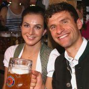 Die sexy Wiesn-Begleitungen der FC Bayern-Profis (Foto)