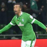 Suspendiert! Diesem Werder-Profi wurde ein Baguette zum Verhängnis (Foto)